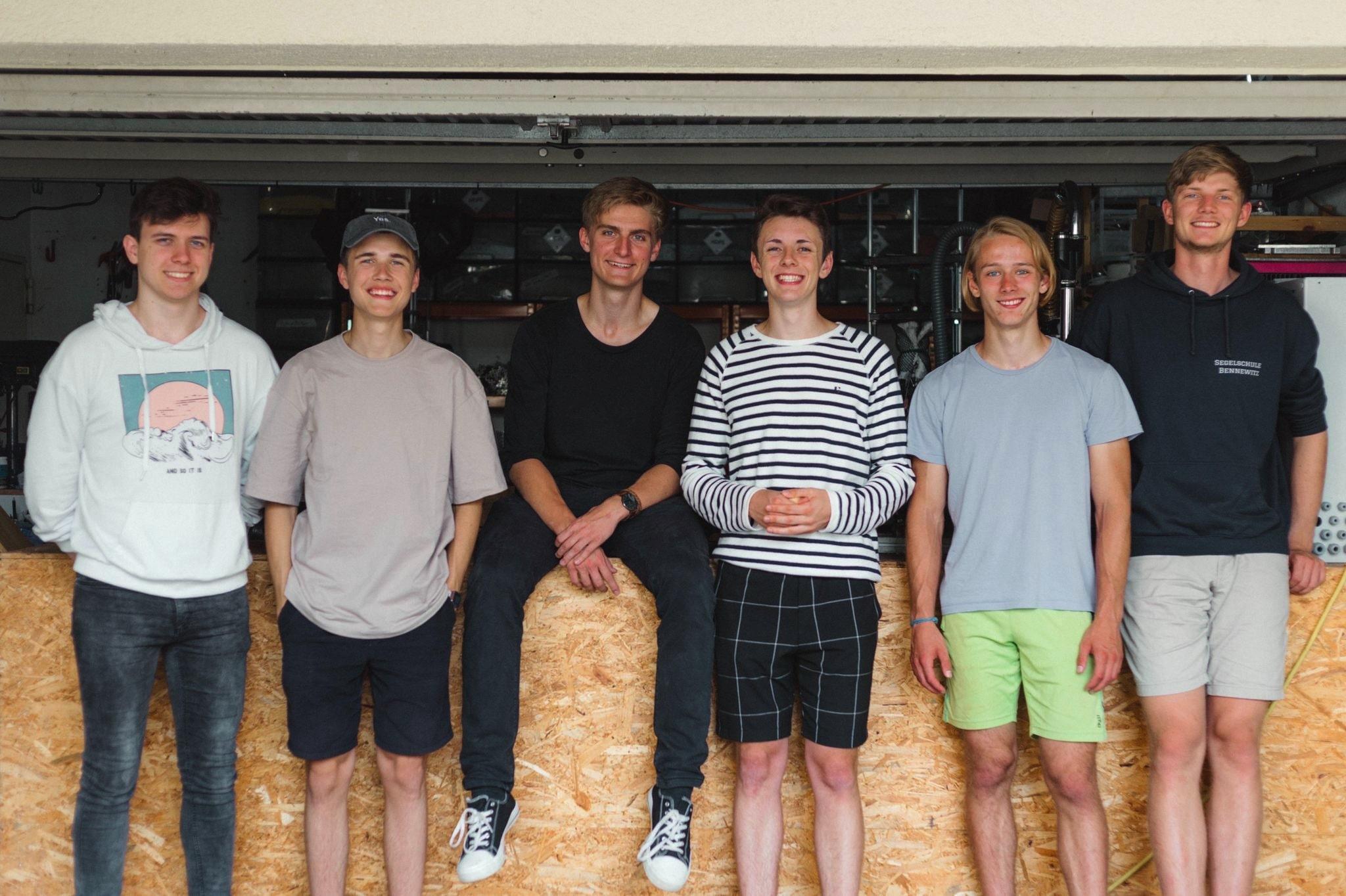 QiTech Industries Teamfoto - Milan von dem Bussche, Noel Lieder, Christoph Eisenach, Malte Ernst und Claas Vietor