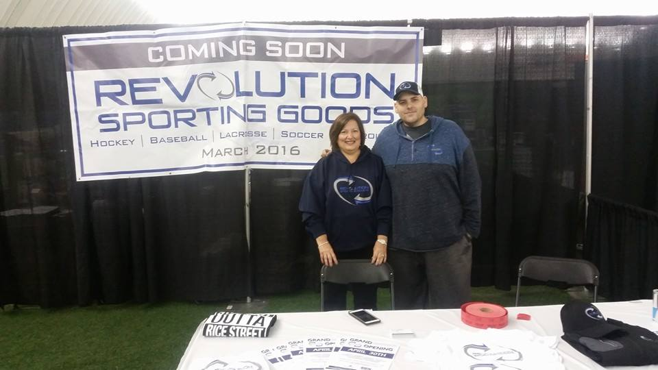 dan and michelle at trade show