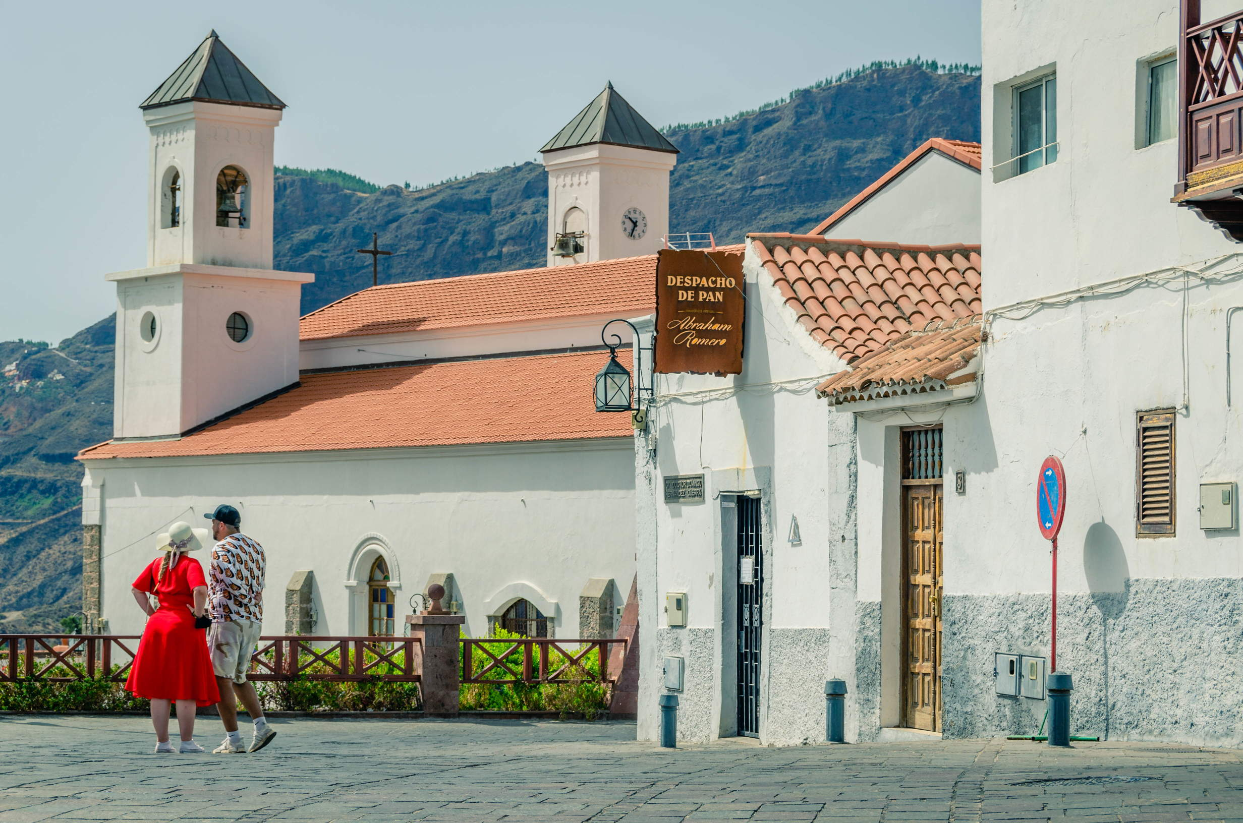 Couple strolling the streets of Tejeda, Gran Canaria