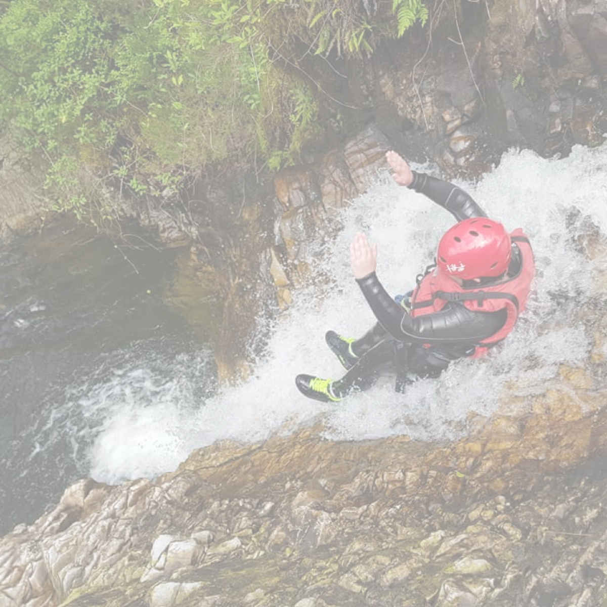 Gorge Walking / Canyoning