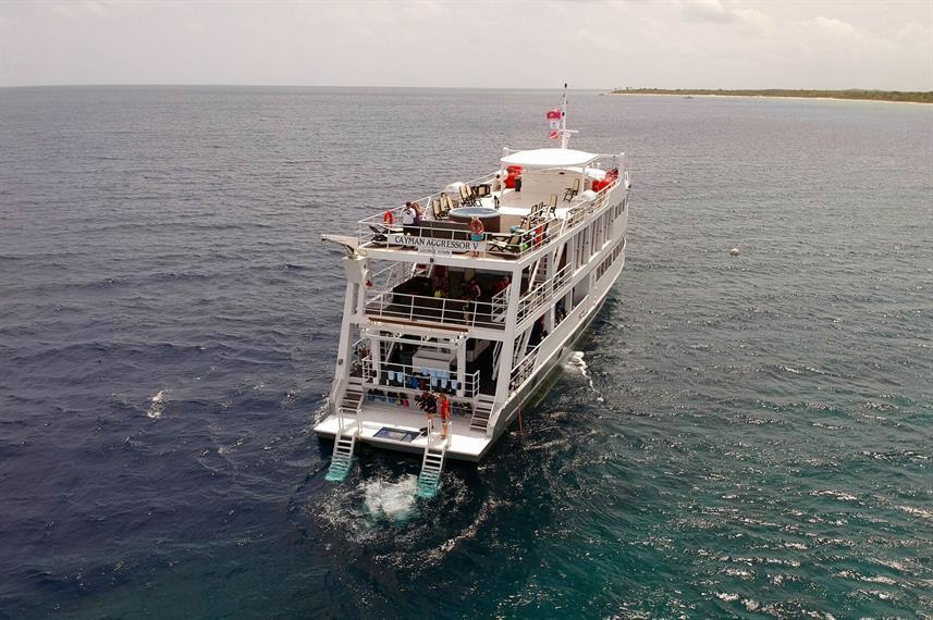 Cayman Islands - Liveaboard Cayman Aggressor V