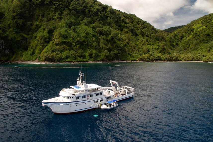 A liveaboard in the waters of Costa Rica