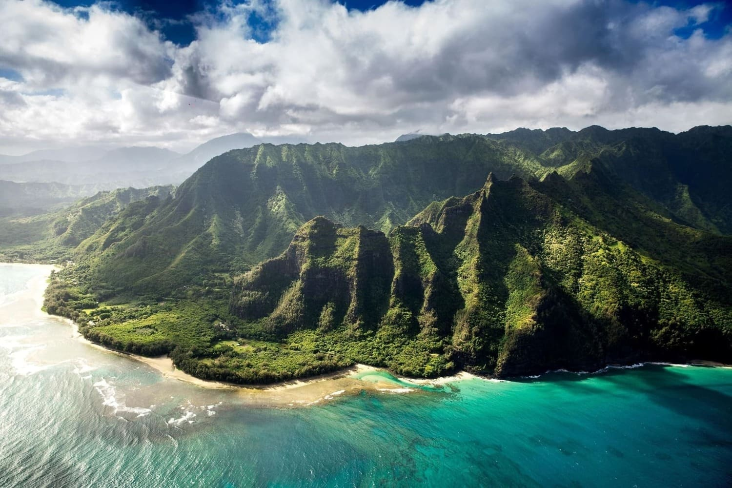 A scenic view of the mountains of Hawaii, United Stated