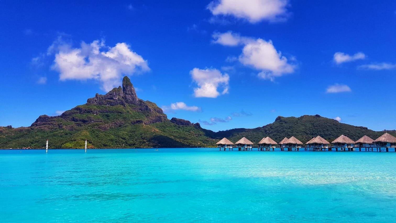 A view of the tropical island Bora Bora