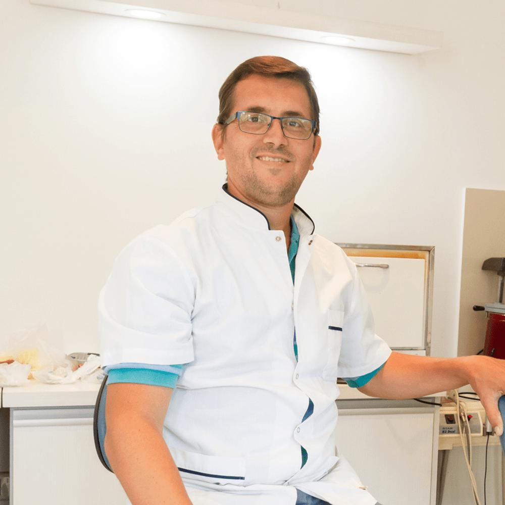 Francisco-Marcuzzi-Odontólogo-Quality