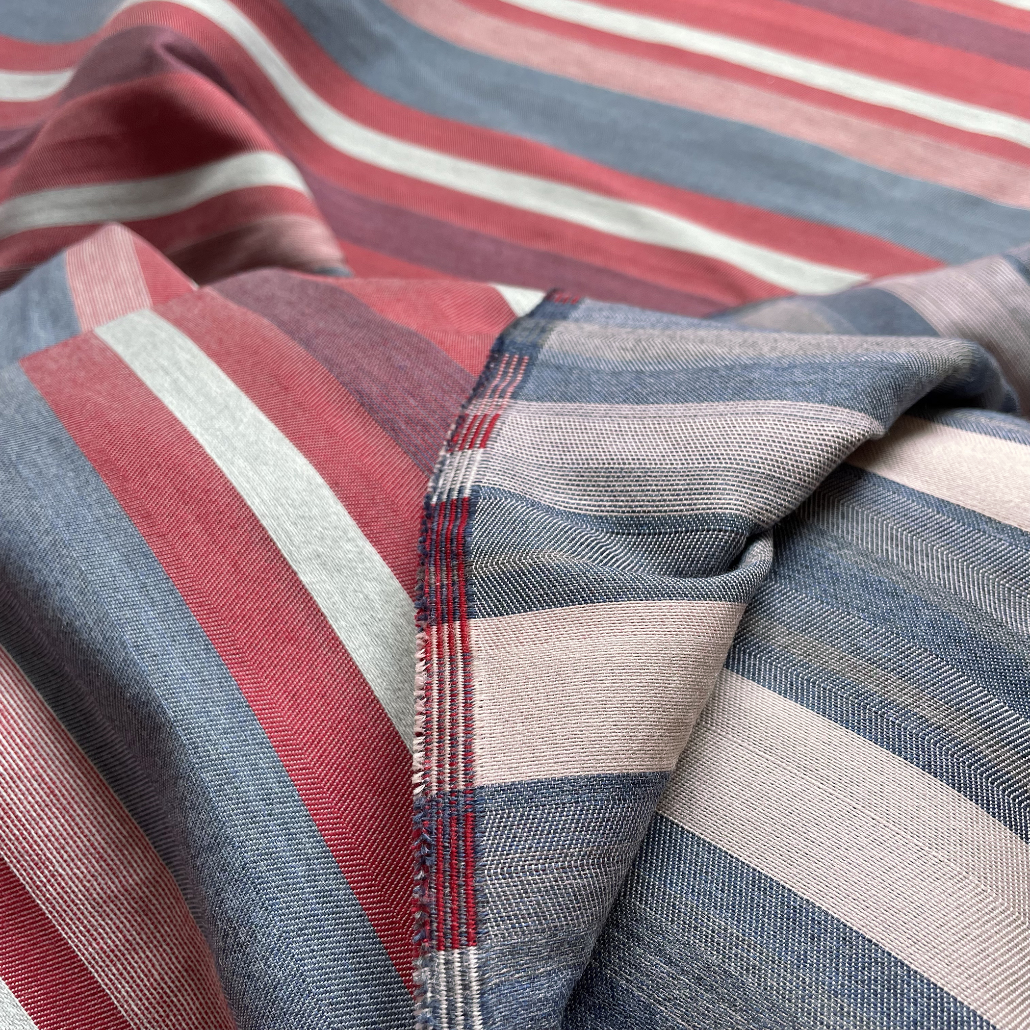 Alhambra Woven Fabric - Taking it's original inspiration from a late 18th century Ottoman woven silk.