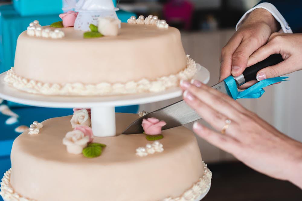 bruidstaart aansijden