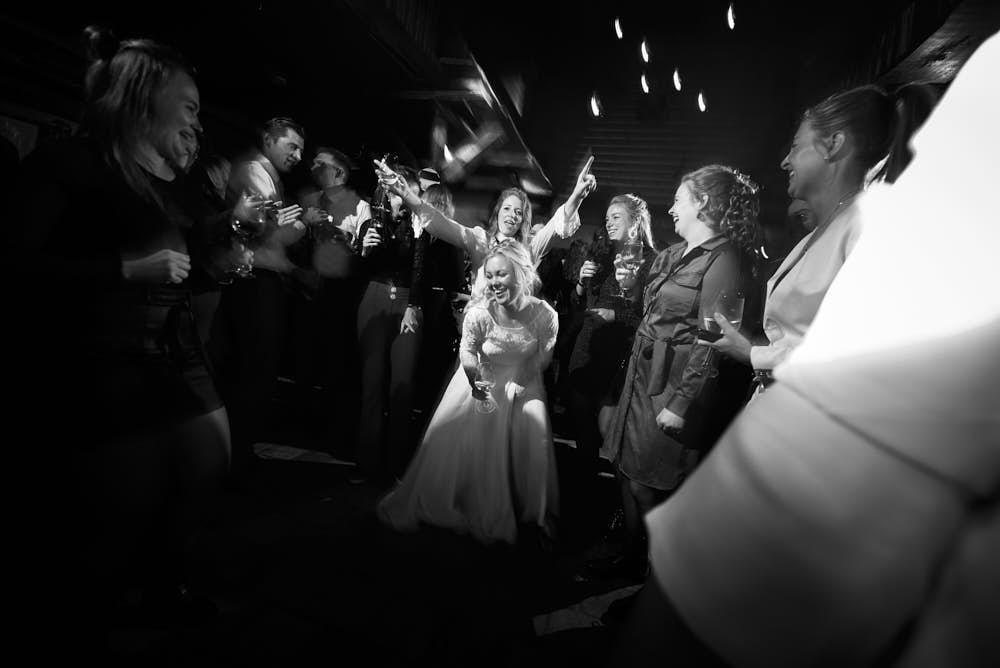 bruids op de dansvloer