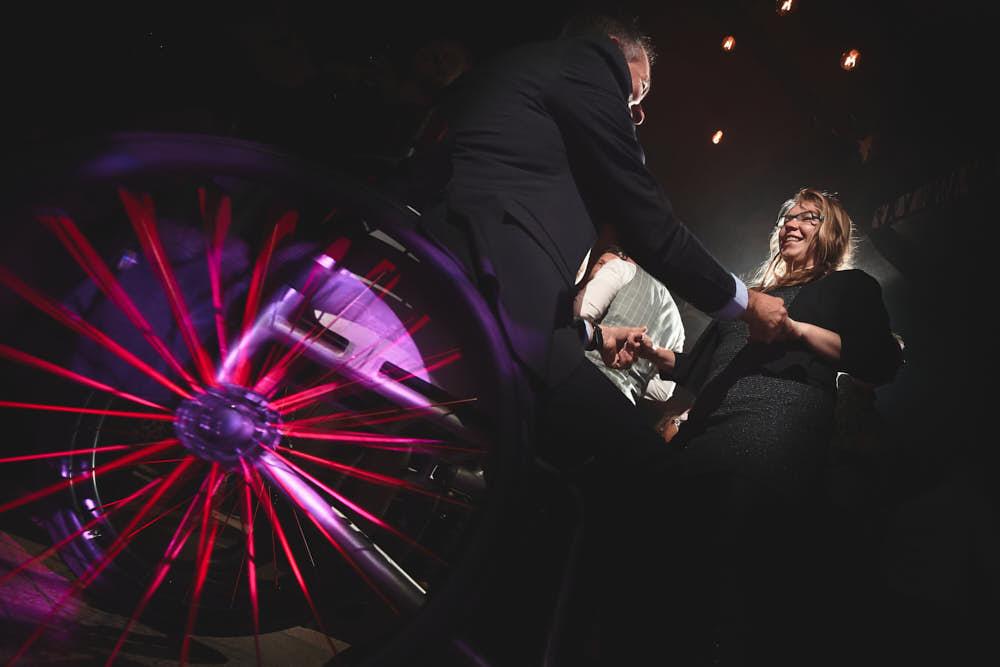 rolstoel op de dansvloer