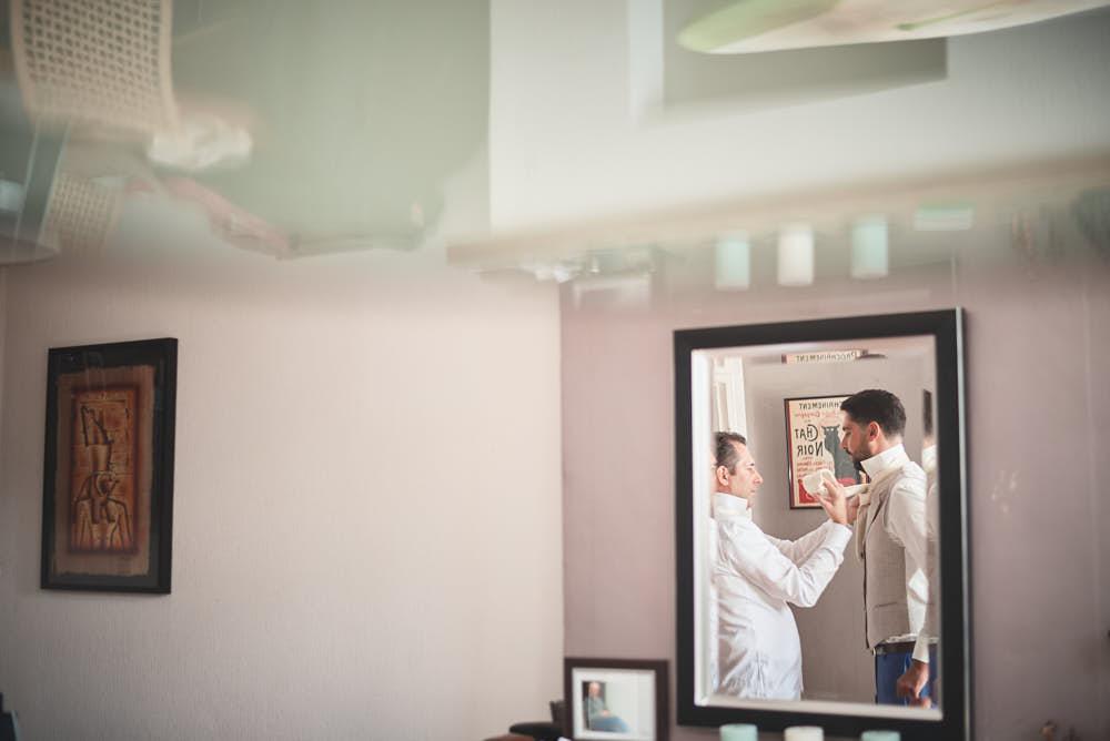 spiegel voorbereidingen bruidegom