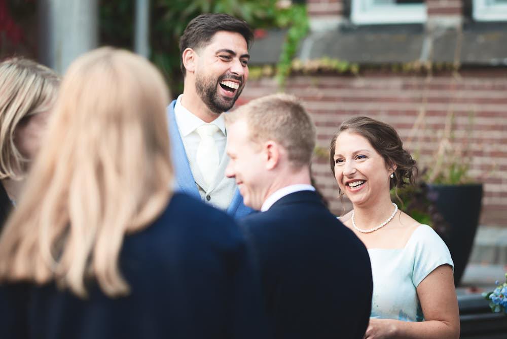 lachen receptie trouwdag