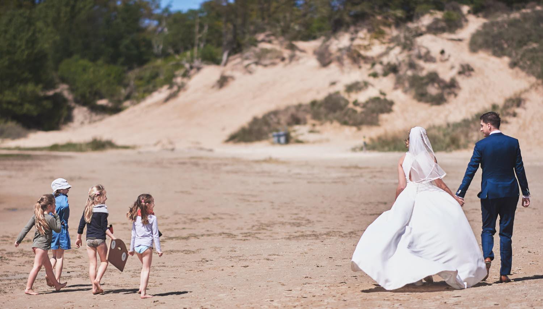 fotoshoot duinen bruidspaar