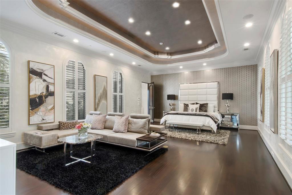 Luxury homes for sale in Houston