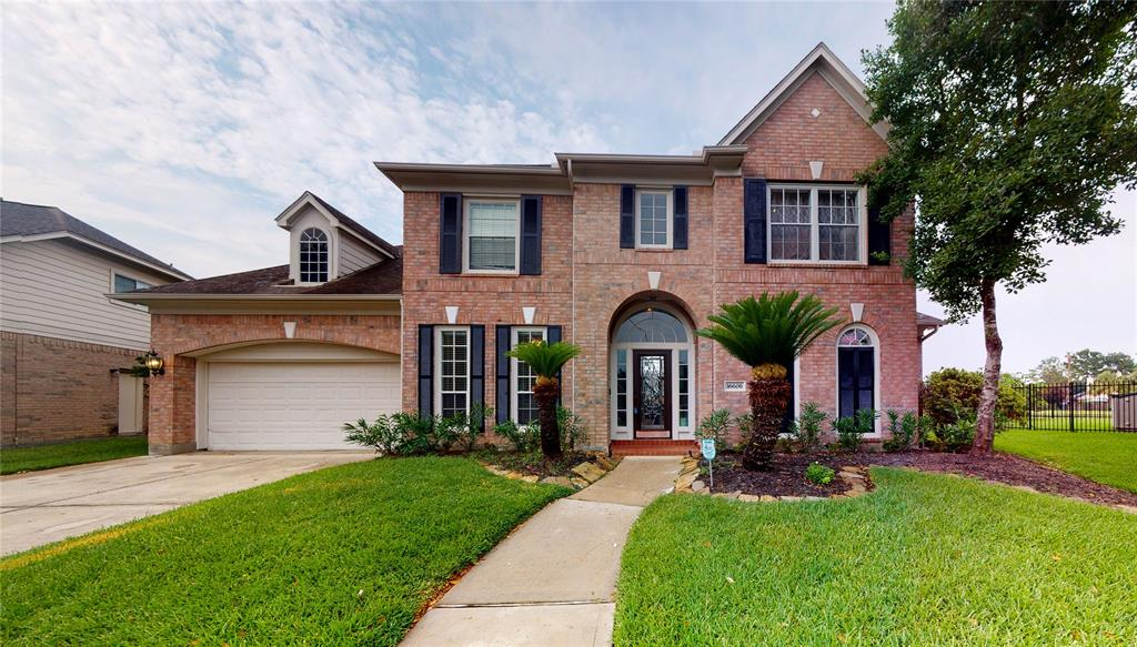 Homes with amenities in Houston for sale, Reduced price homes for sale in houston, Houston reduced price large homes, reduced price large homes for sale in houston , ready to move in homes in Houston, Houston ready to move in luxury homes