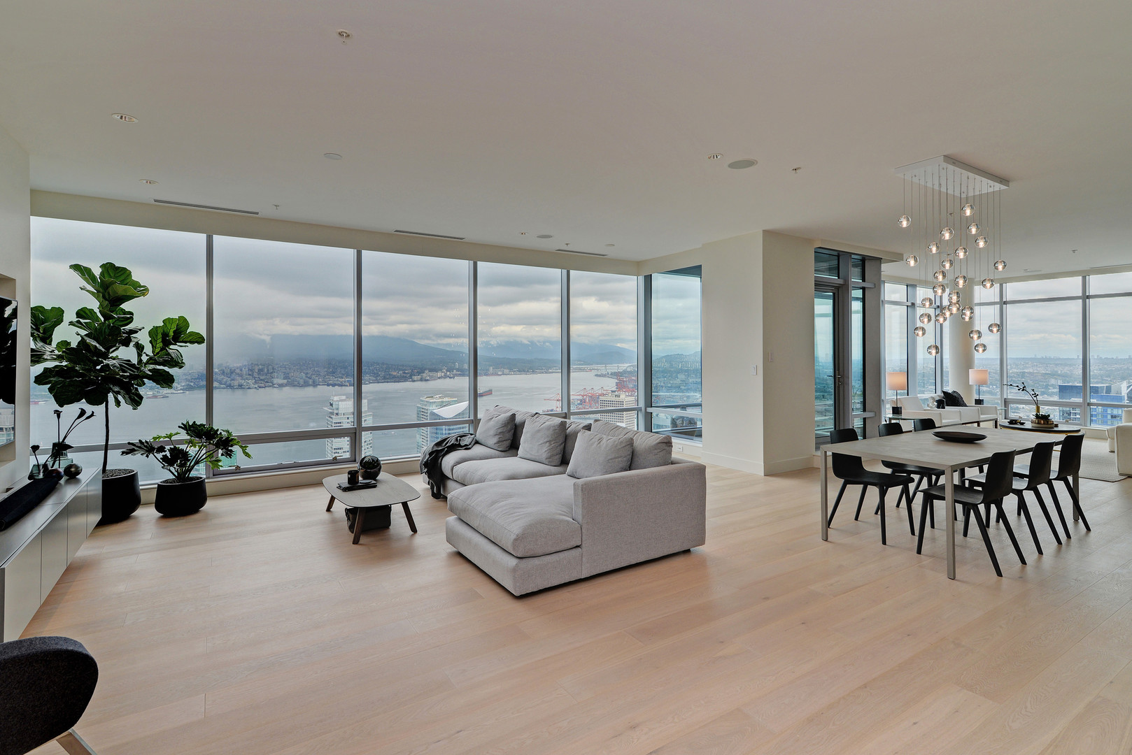 FULLY FURNISHED TWO BEDROOM PROPERTY IN THE PRIVATE ACCESS ESTATE AT THE LUXURIOUS SHANGRI-LA VANCOUVER