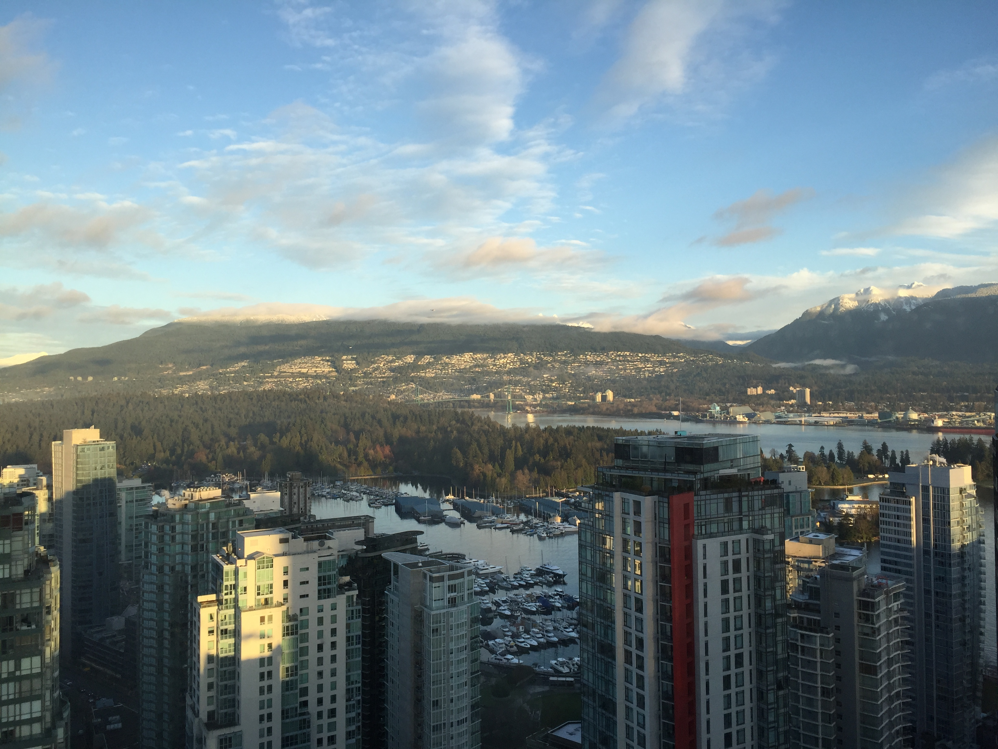 UNFURNISHED DELUXE THREE BEDROOM PROPERTY IN THE LUXURIOUS TRUMP RESIDENCES VANCOUVER