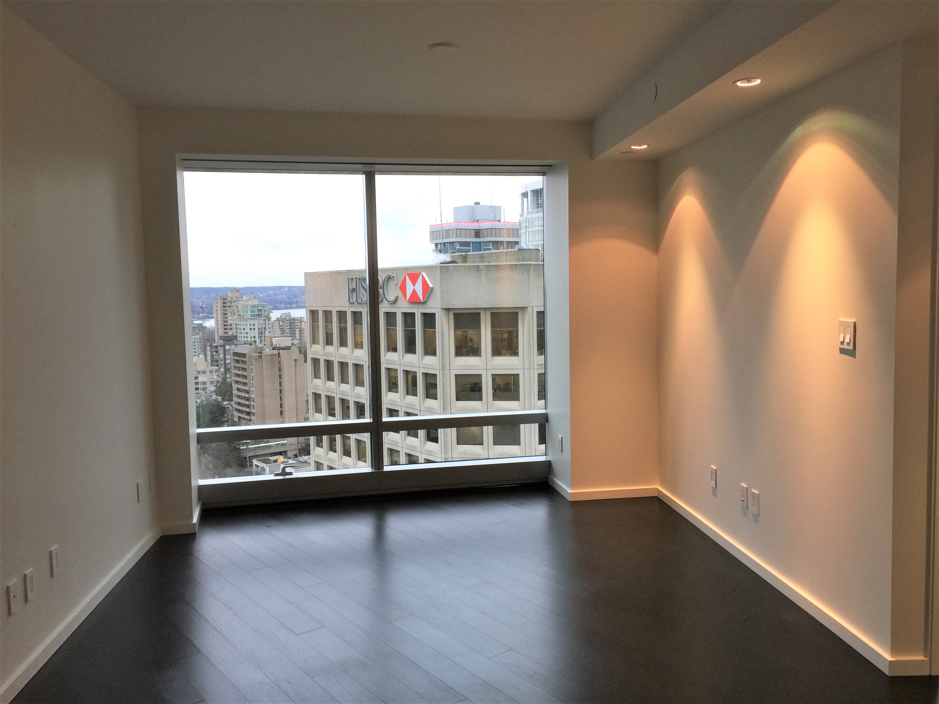 UNFURNISHED DELUXE ONE BEDROOM PROPERTY IN THE LUXURIOUS TRUMP RESIDENCES VANCOUVER