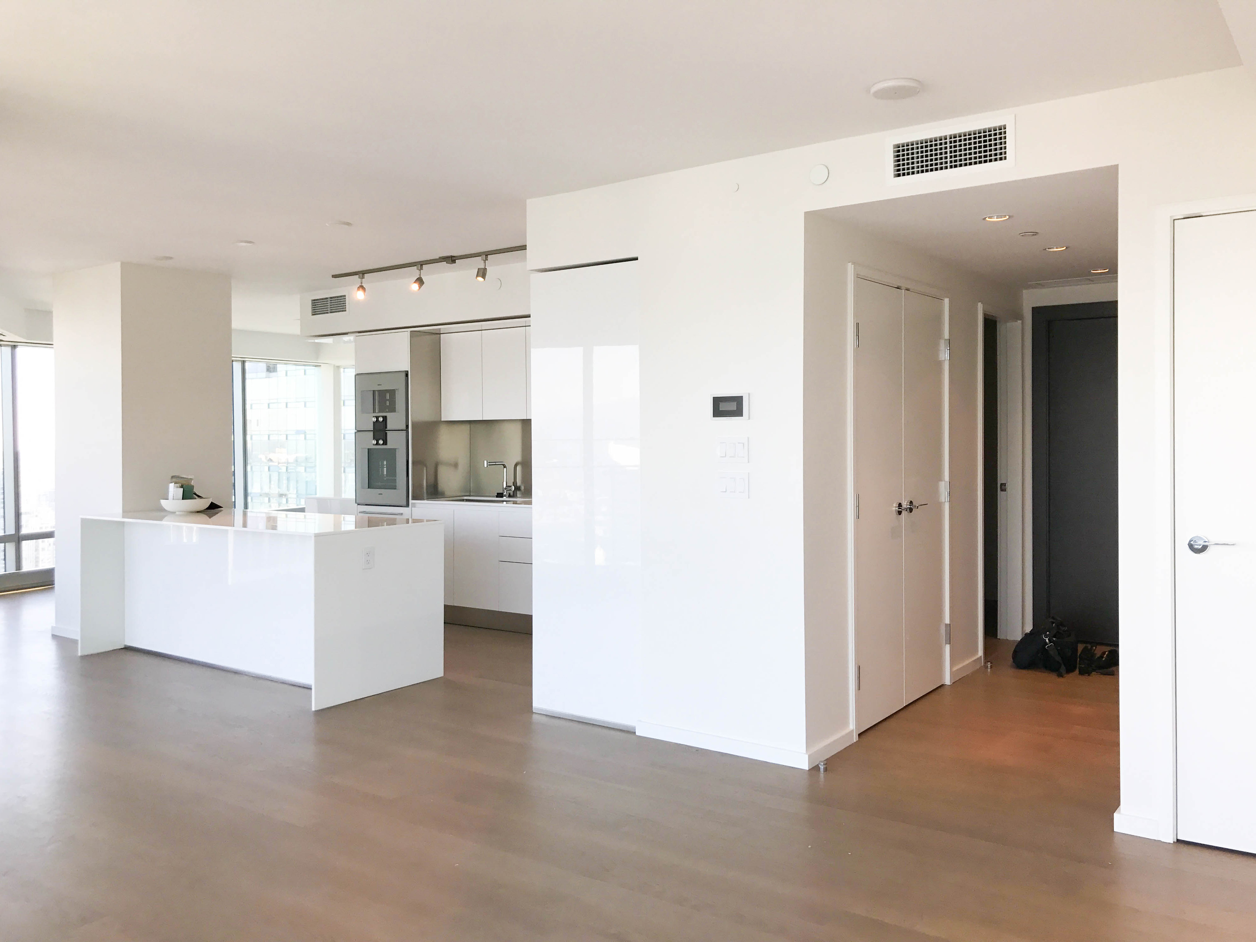 UNFURNISHED TWO BEDROOM PROPERTY IN THE LUXURIOUS TRUMP RESIDENCES VANCOUVER