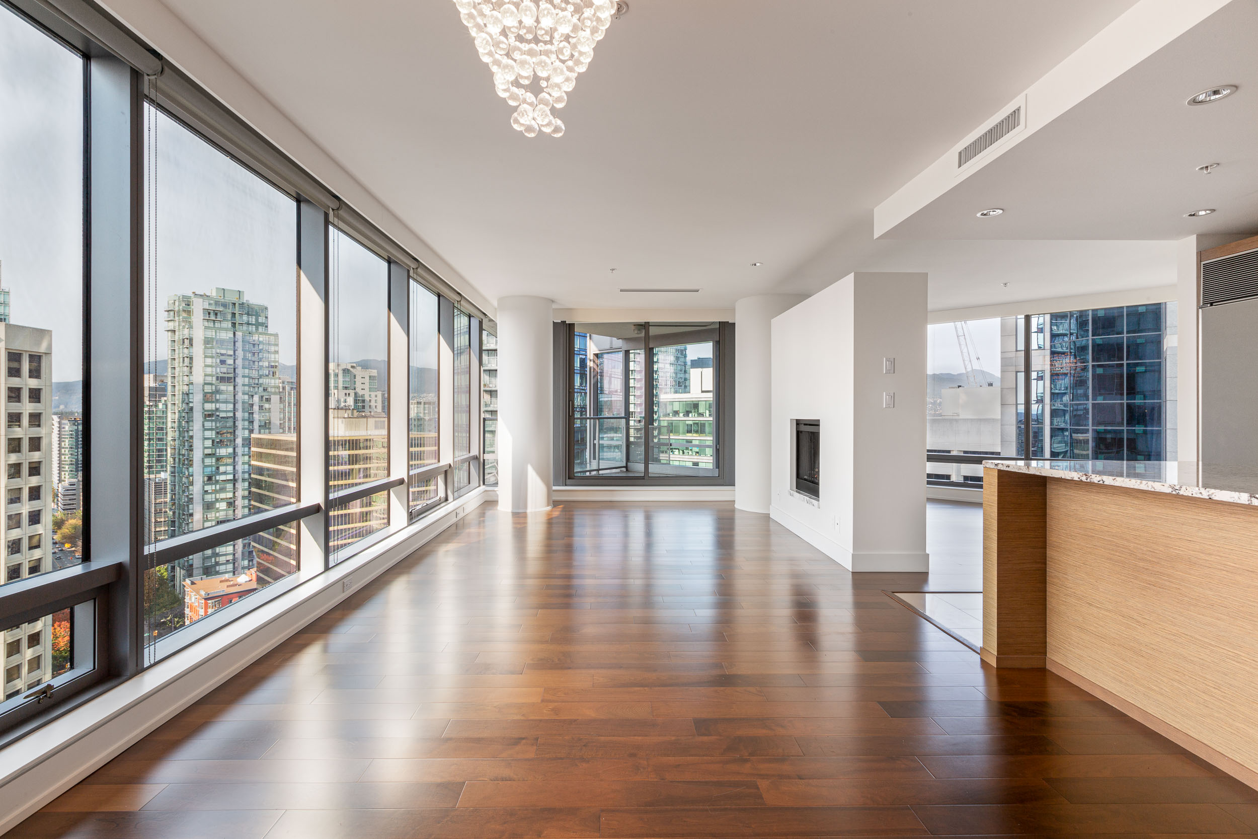 UNFURNISHED TWO BEDROOM UNIT IN THE LIVING SHANGRI-LA VANCOUVER