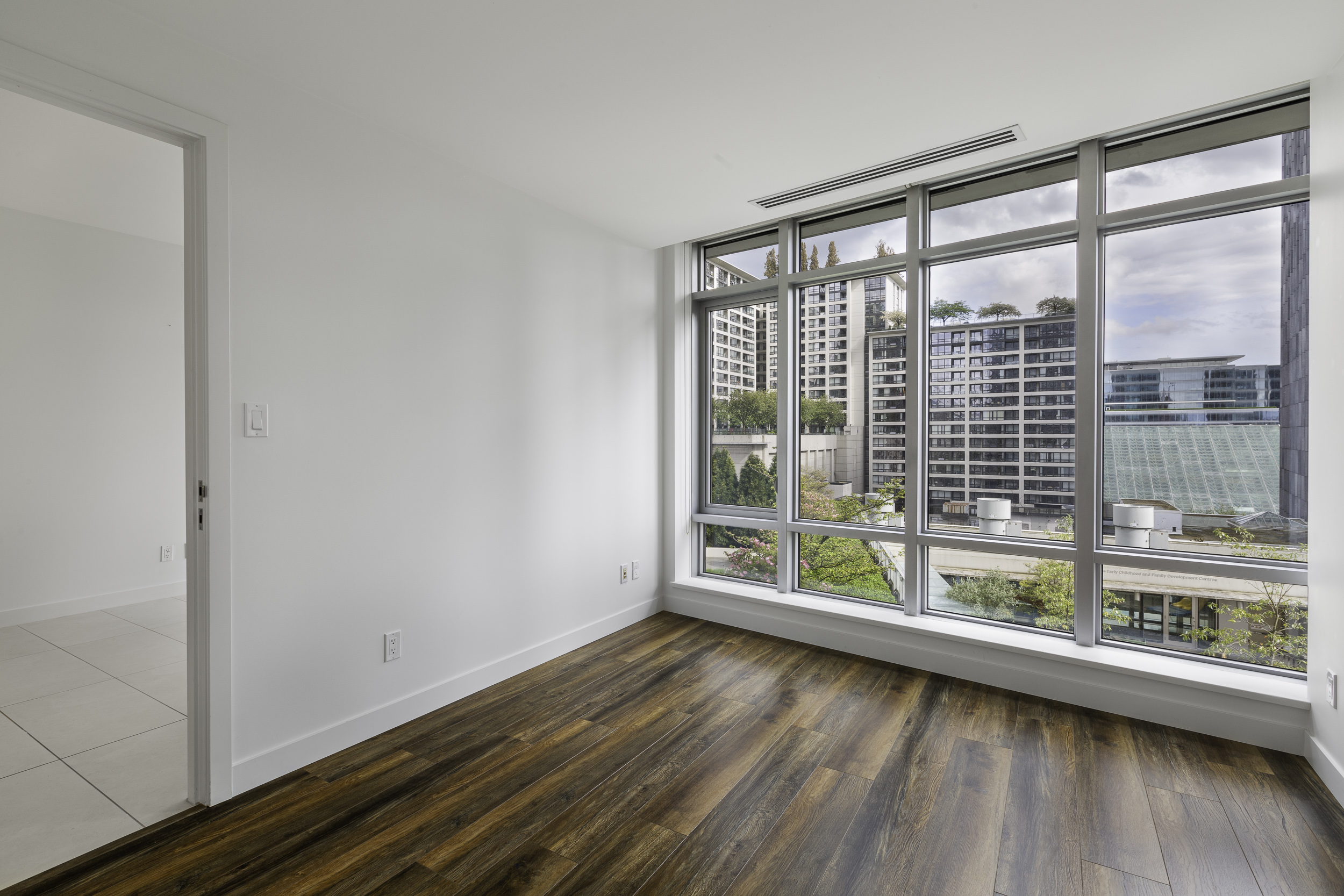 UNFURNISHED ONE BEDROOM PROPERTY AT THE PATINA IN DOWNTOWN VANCOUVER