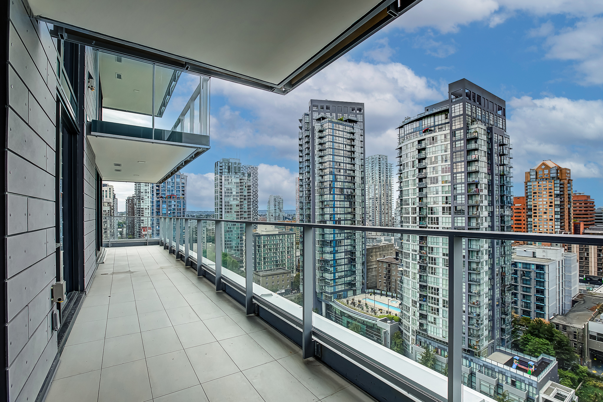 UNFURNISHED THREE BEDROOM AND FLEX PROPERTY AT 8X ON THE PARK, YALETOWN