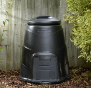 This 220L Black Compost Converter is a compost bin designed to provide a secure environment for compost while retaining heat and moisture levels and keeping vermin out.