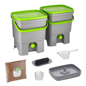With the Bokashi kitchen buckets and bran, you ferment your own kitchen waste in the house.