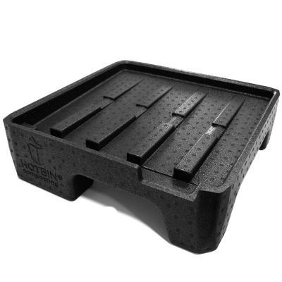 Collecting the nutrient-rich liquid fertiliser from your HOTBIN is now easier with the new HOTBIN Plinth. The Plinth raises your HOTBIN off the ground by 125mm (5 inches) providing easy access to slide a suitable receptacle underneath the HOTBIN tap when draining the liquid fertiliser.