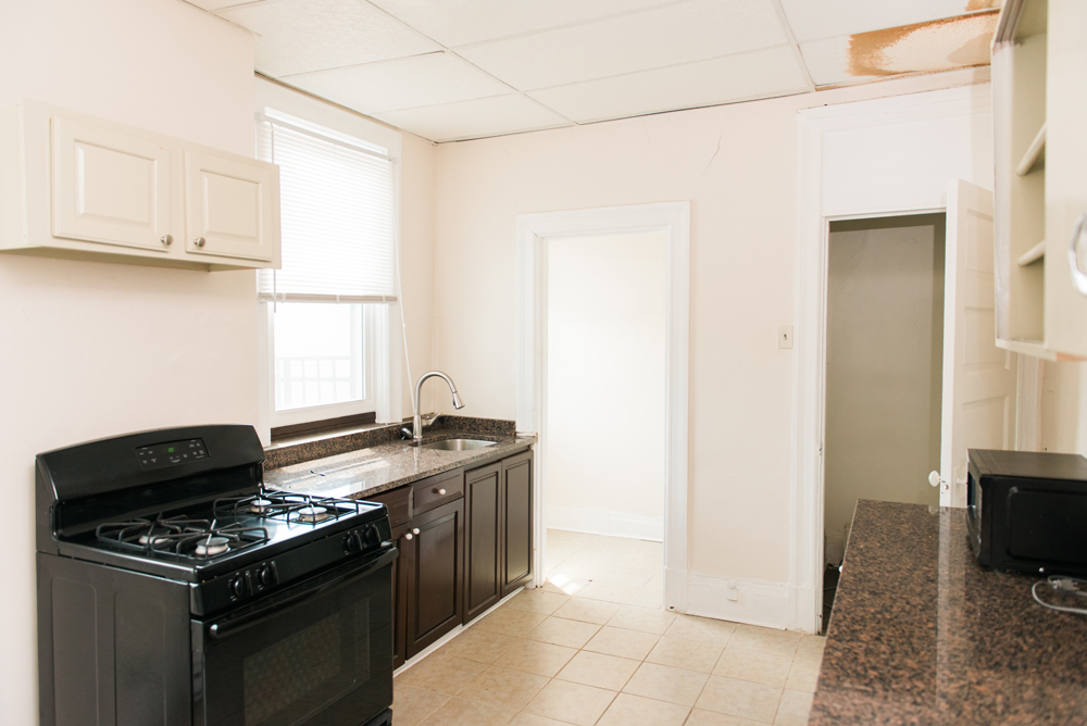 Photo of the kitchen in one of the units at Concord Place apartments in the North Shore, managed by Birgo Realty.
