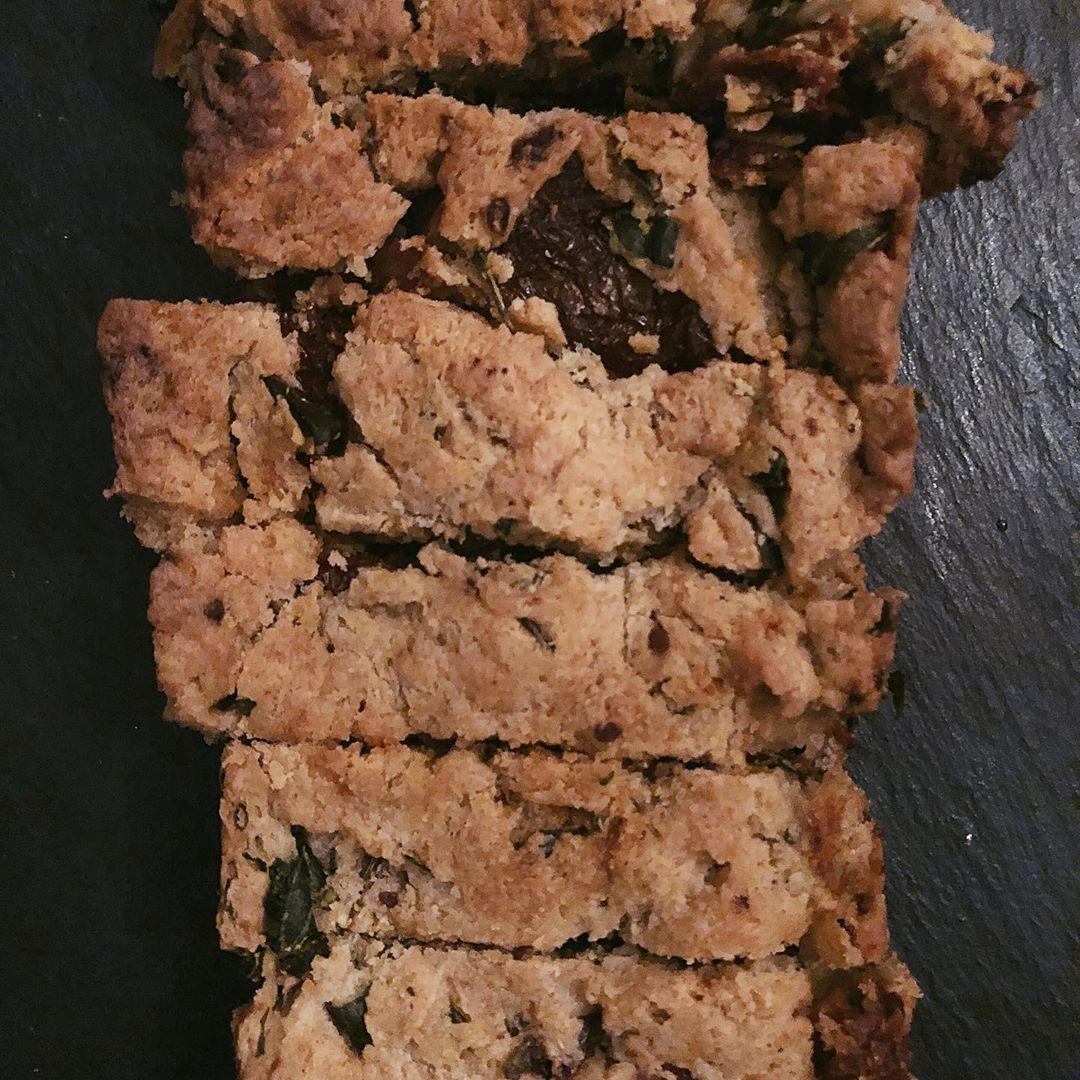 CAKE TOMATES BASILIC