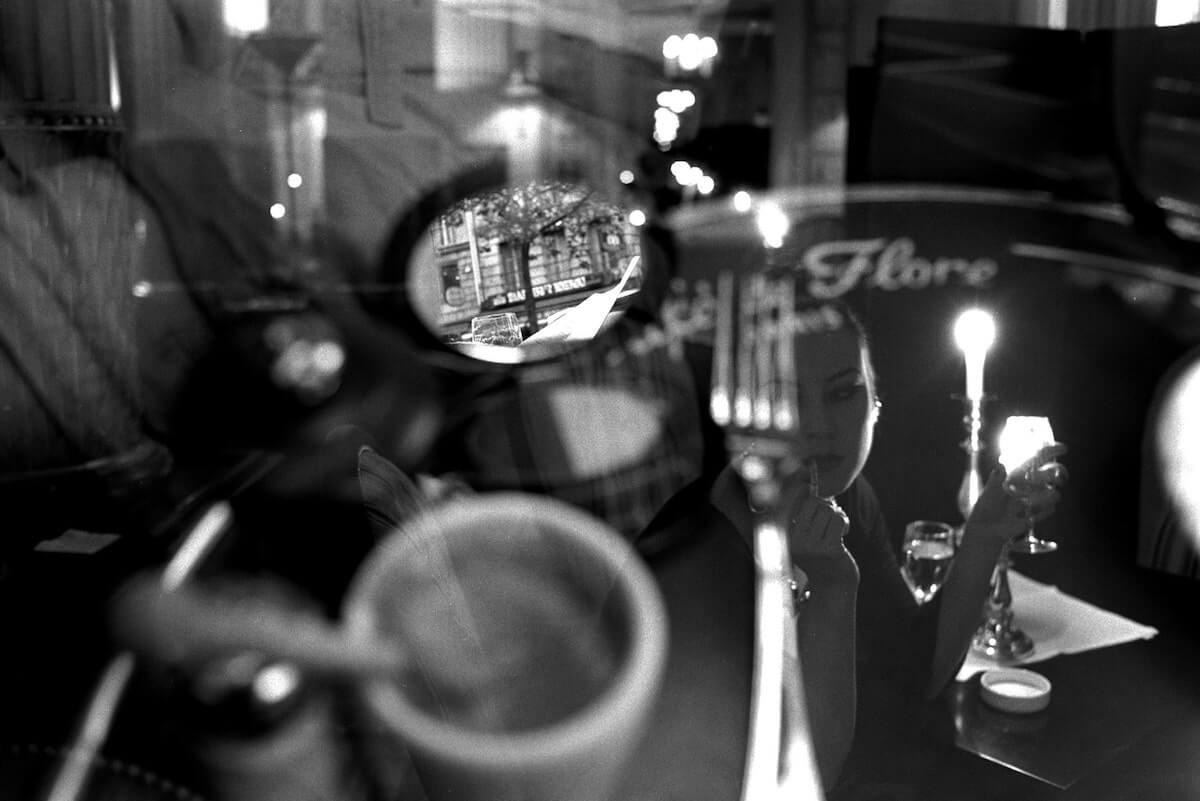 Reflections Sur la Table