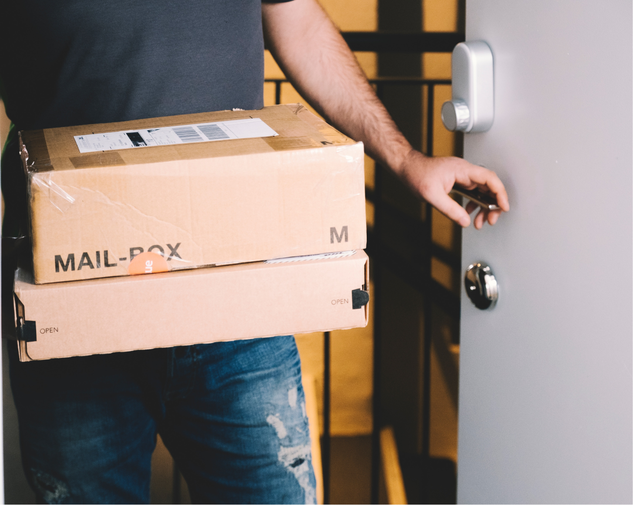 Glue & Bring | The Future of Delivery With Smart Locks