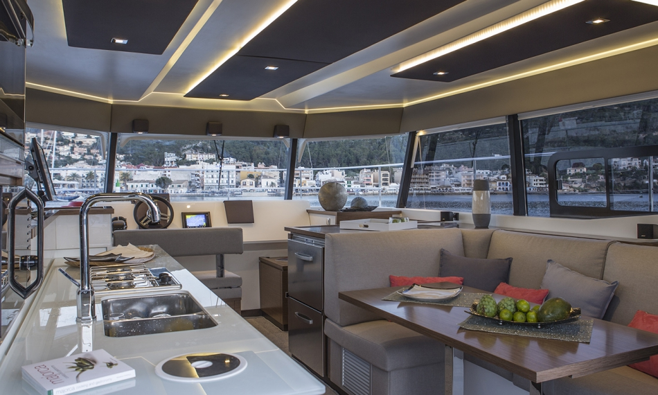 Foutaine Pajot 37