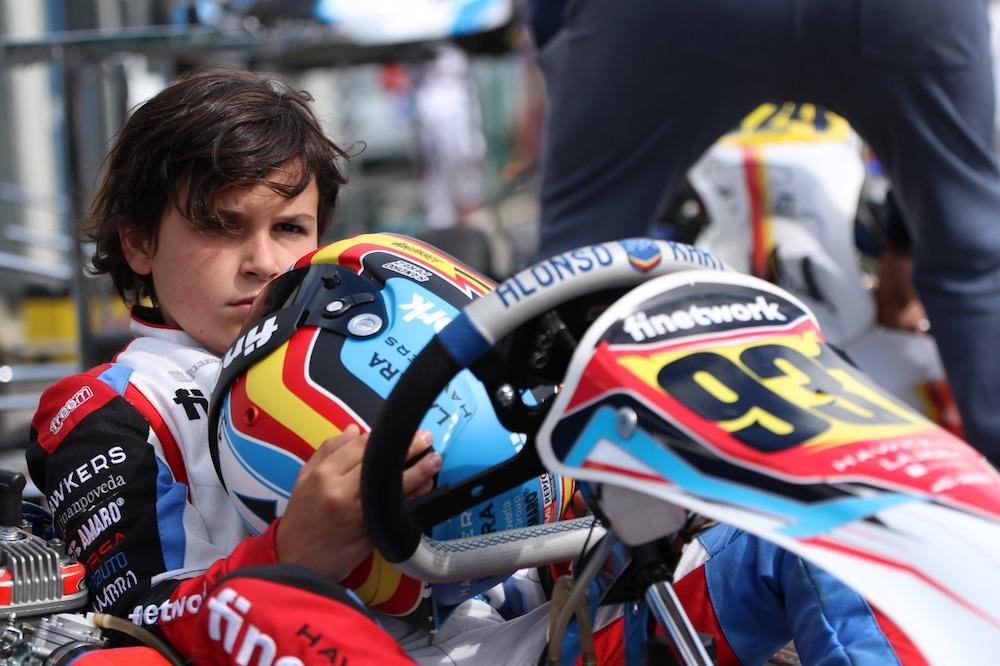 Sandro Pérez y el Monlau Karting Team participan en la carrera nocturna de Albaida