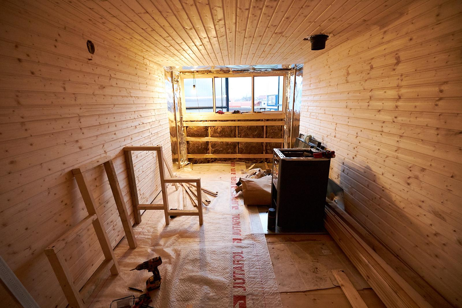 stavba saunoveho vagonu vlakfest