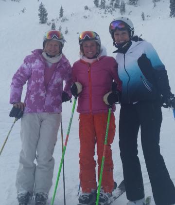 Suzy Skiing