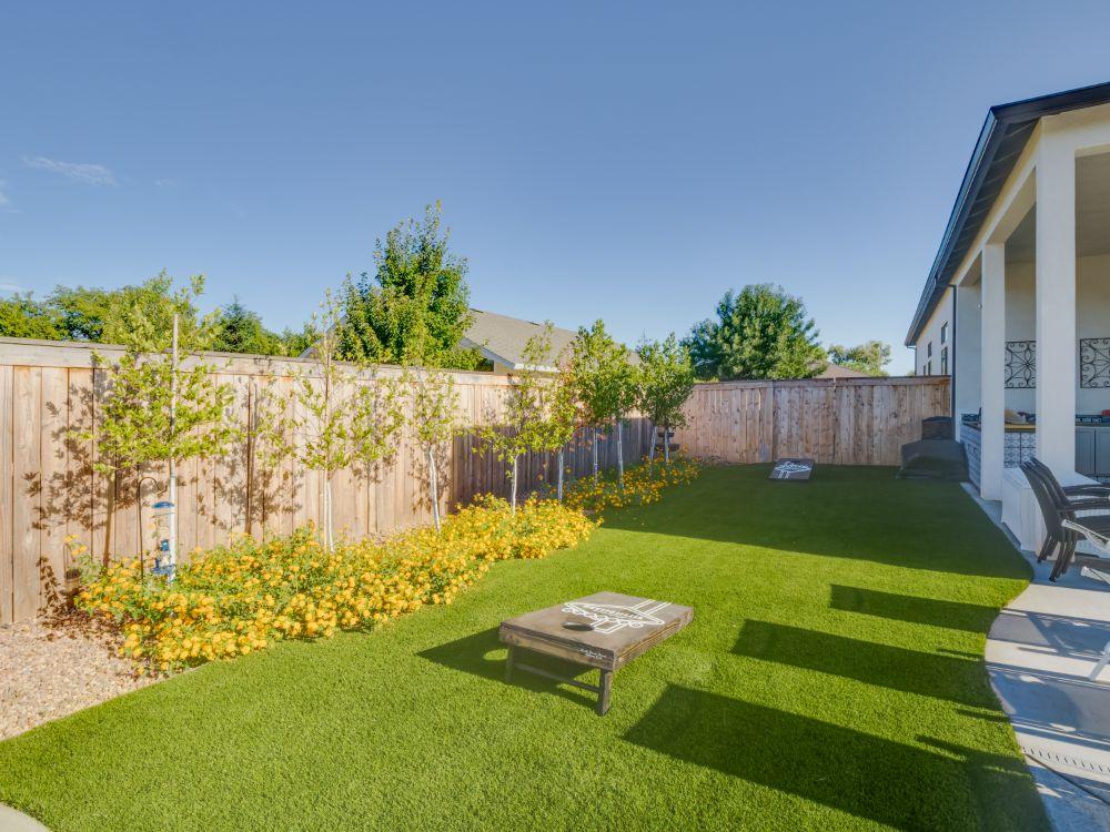 Evelyn Floorplan Legacy Estate Kite Group | 2,250 sqft + 750 sqft unit | 4 Bedroom | 3 Bath | 3 Car Garage | 1 Bedroom 1 Bath Mother-In-Law Unit