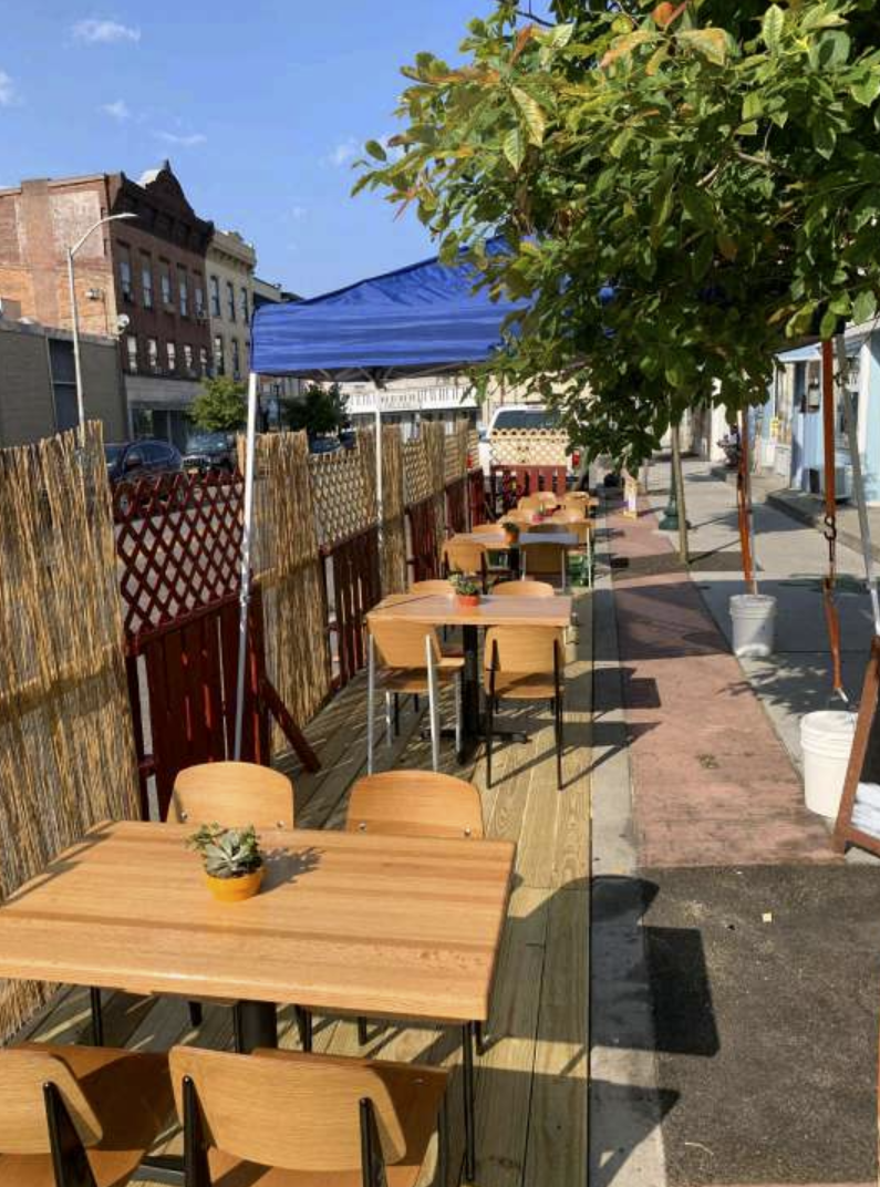 Gleason's parklet outdoor dining