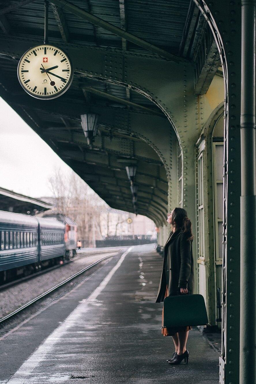 Woman at Vitebsky railway station, Saint Petersburg