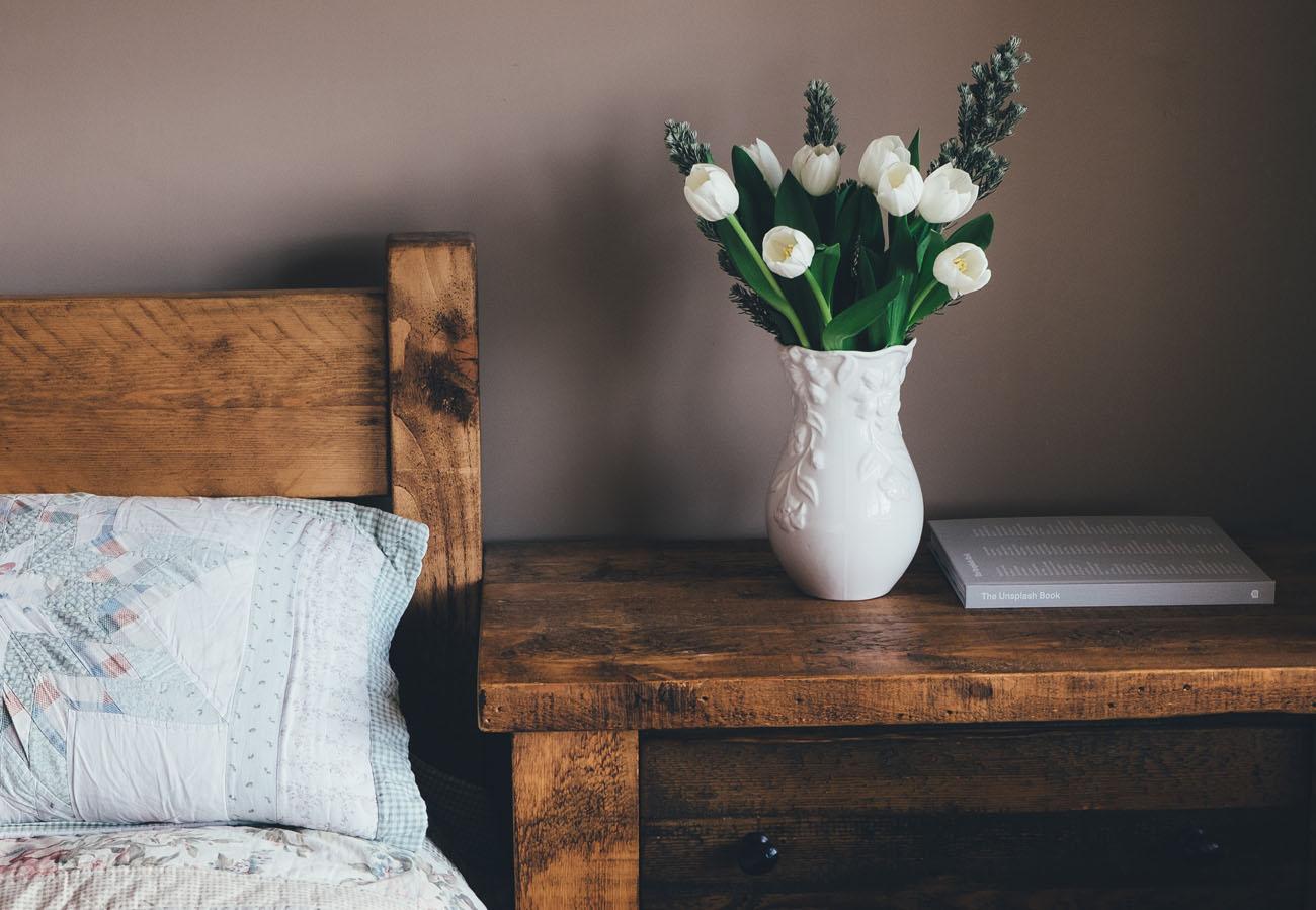 Frühlingspflege für Holz