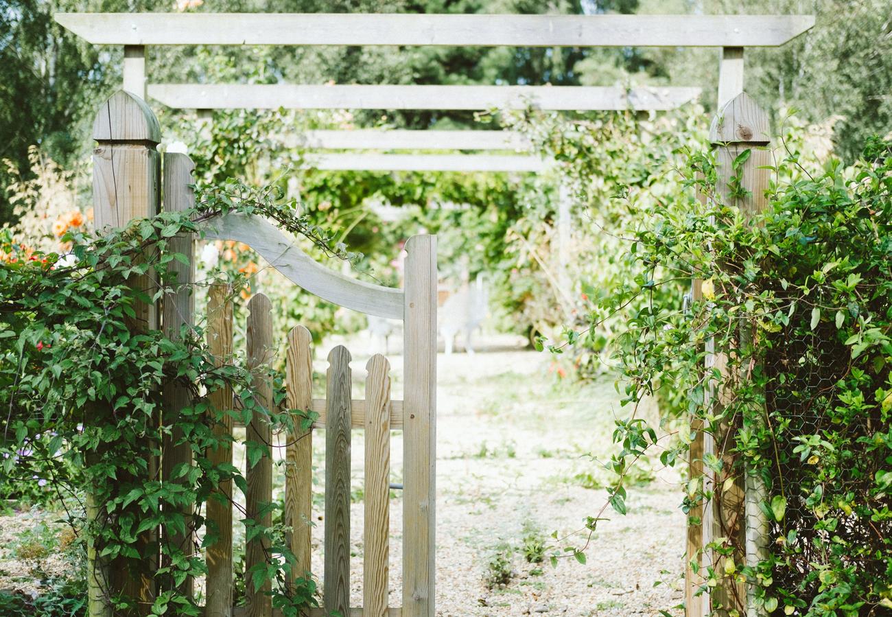 Gartentor - Eingang zu einem Bauerngarten