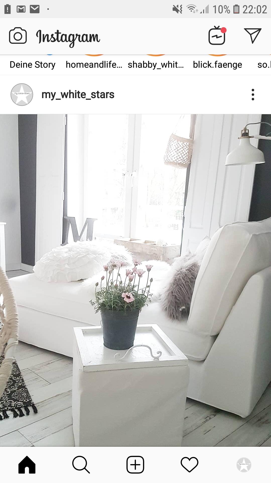Nordic und Fabrikdesign in himmlischem weiß machen Gaby's Haus aus.