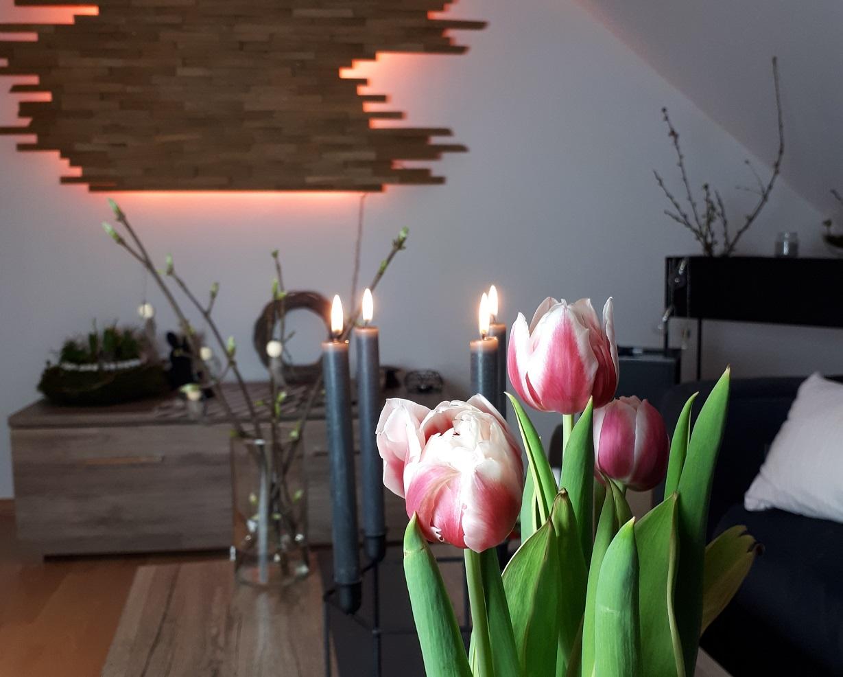 Farbenfrohe Pflanzen dürfen in Lisa's Zuhause nicht fehlen.