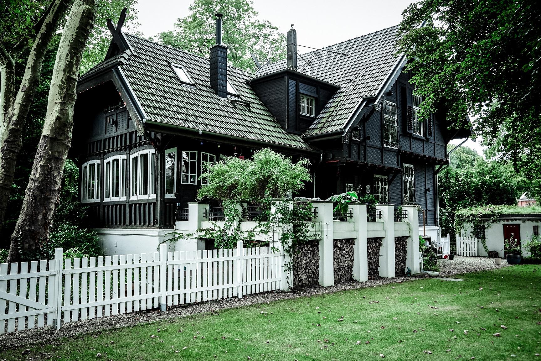 Bei Eva daheim findet man sich im Waldfrieden.