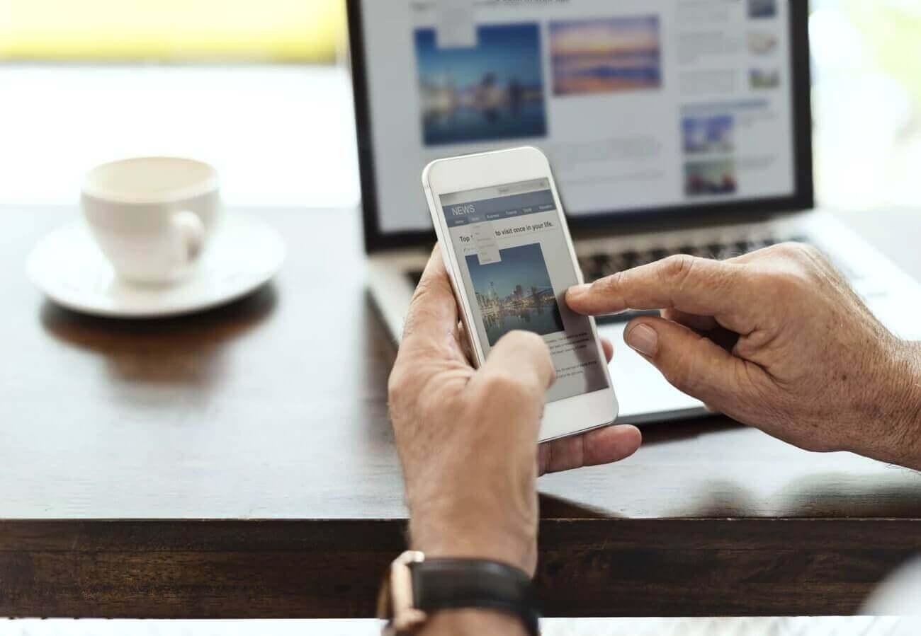 Smart Home Anwendung im Einsatz auf Smartphone