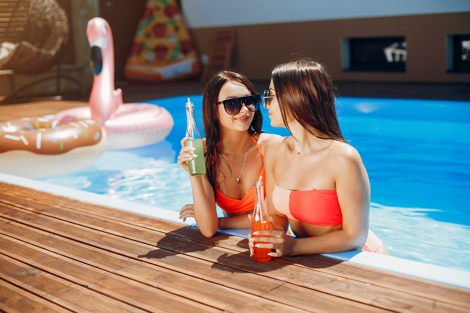 Sommerparty im Pool