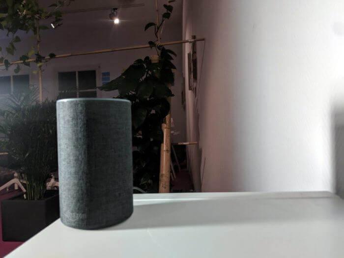 Amazon Alexa Lautsprecher grau