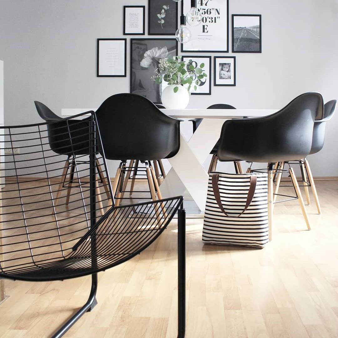 Wohnen, Pflanze, Naturholz, Schwarz, Weiß, Skandinavisch, Dekoration, Bilderrahmen, Tisch, Stuhl, Licht