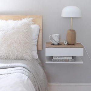 Luxus Schlafzimmer - Nachtisch mit Licht