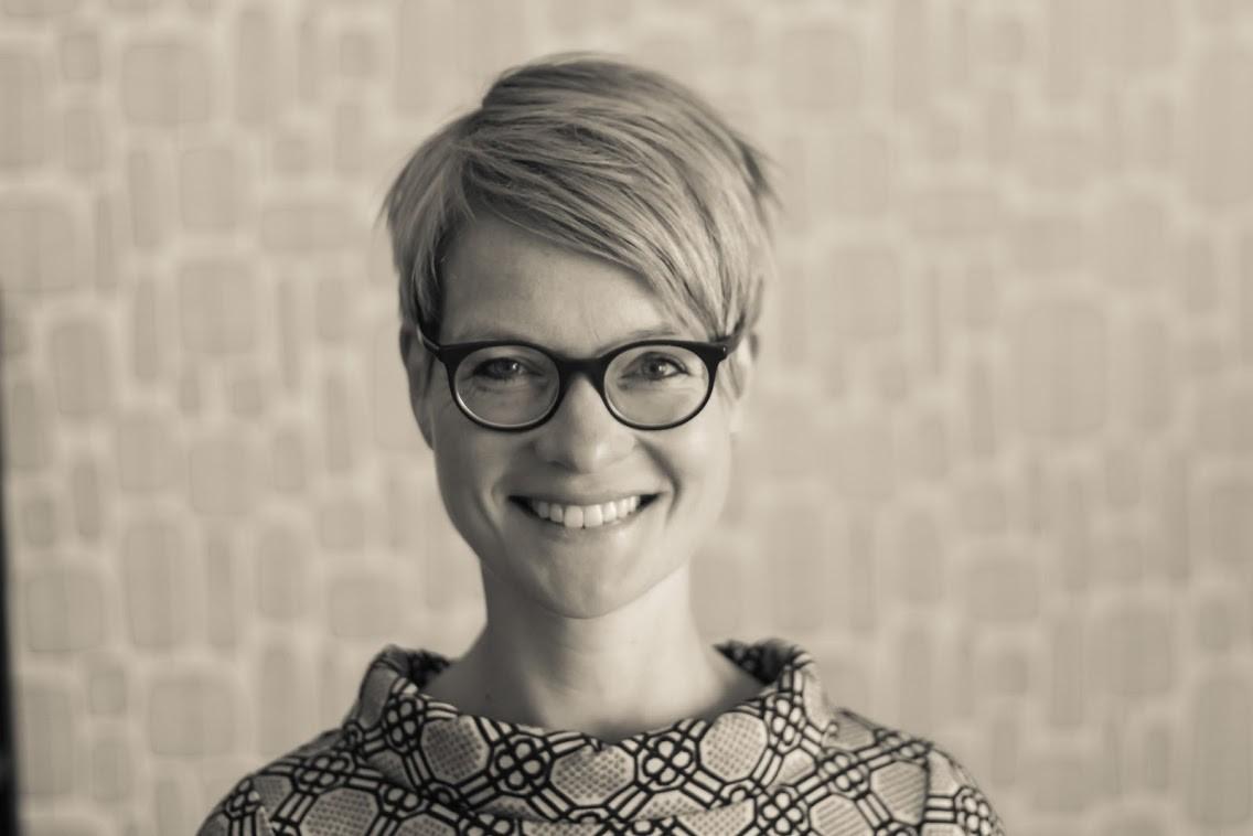 Die Autorin, Monika Röttgen.